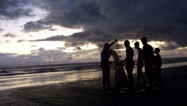 La faena rindió pocos frutos para los jóvenes pescadores  de Las Lajas.